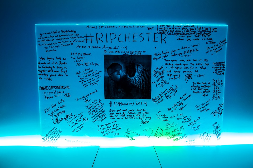 A board of messages for Chester Bennington at the Linkin Park Tribute Party. At the top it says R.I.P. Chester